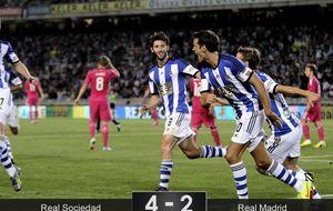 La Real Sociedad golea al Madrid y mete a Ancelotti en problemas