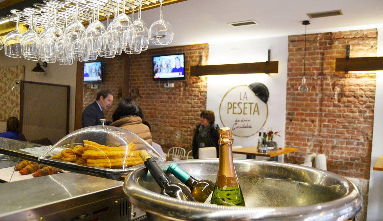Foto: La Peseta de Doña Casilda, un restaurante cercano, situado en la calle Zurbano. (Foto: María Zuil)