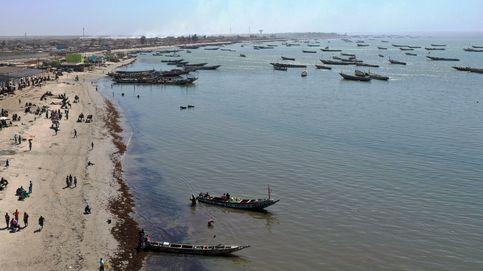 Fiebre alta y dermatitis: un desconocido virus afecta a 500 pescadores en Senegal
