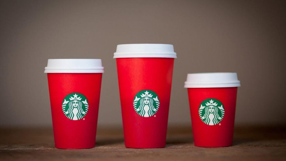 Donald Trump sugiere boicotear a Starbucks por el diseño de sus tazas
