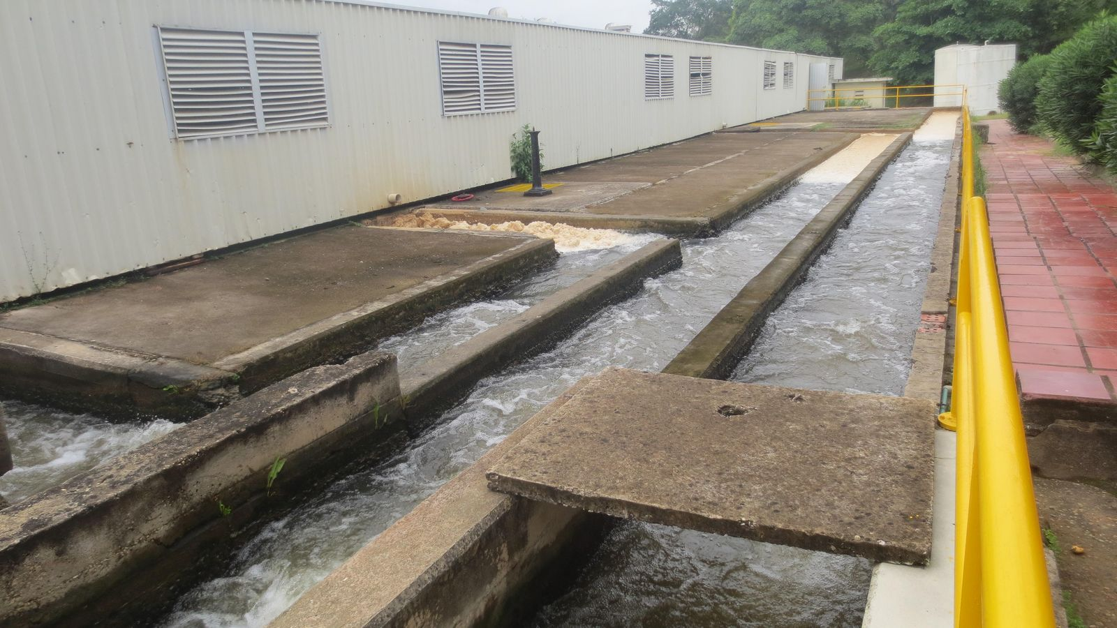 Foto: La planta de Acuacar en Cartagena de Indias será reformada por el Fondo del Agua. (Iván Ruiz)