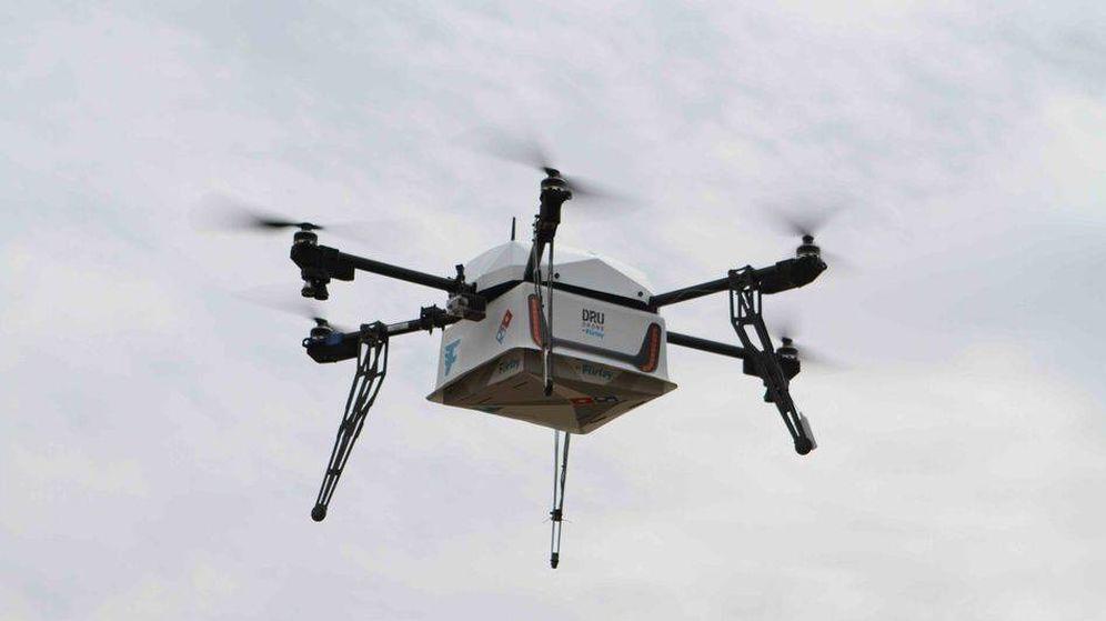 Foto: Así fue la primera entrega de una pizza a domicilio con un dron