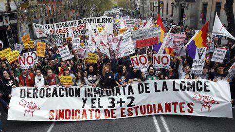 Podemos hace suya la huelga educativa en las calles y en los parlamentos