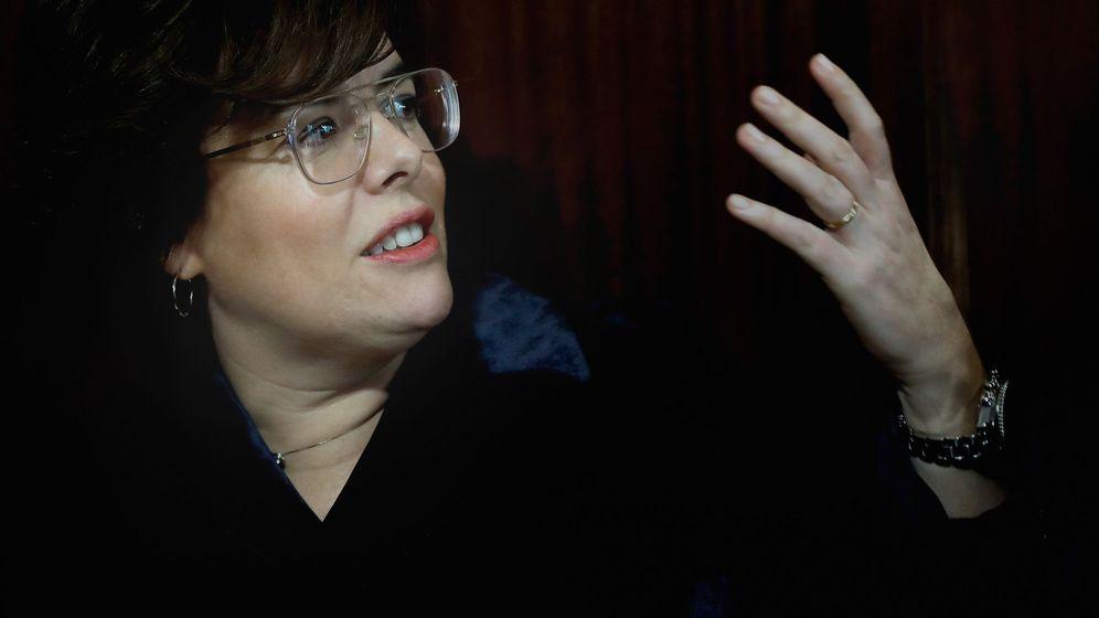 Foto: Soraya Sáenz de Santamaría, en un acto en Valencia. (EFE Juan Carlos Cárdenas)