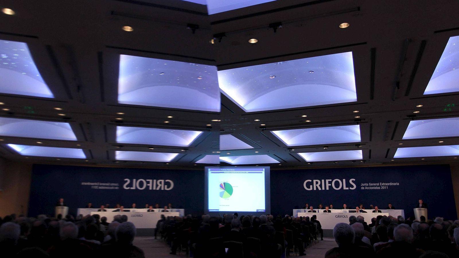 Foto: Imagen de una junta de accionistas de Grifols. (EFE)