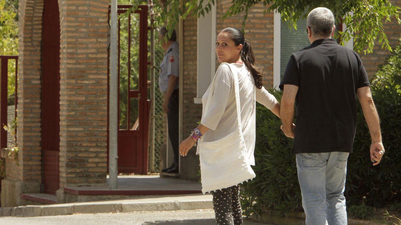 Foto: Ortega Cano sale de prisión, mientras que Isabel Pantoja entra
