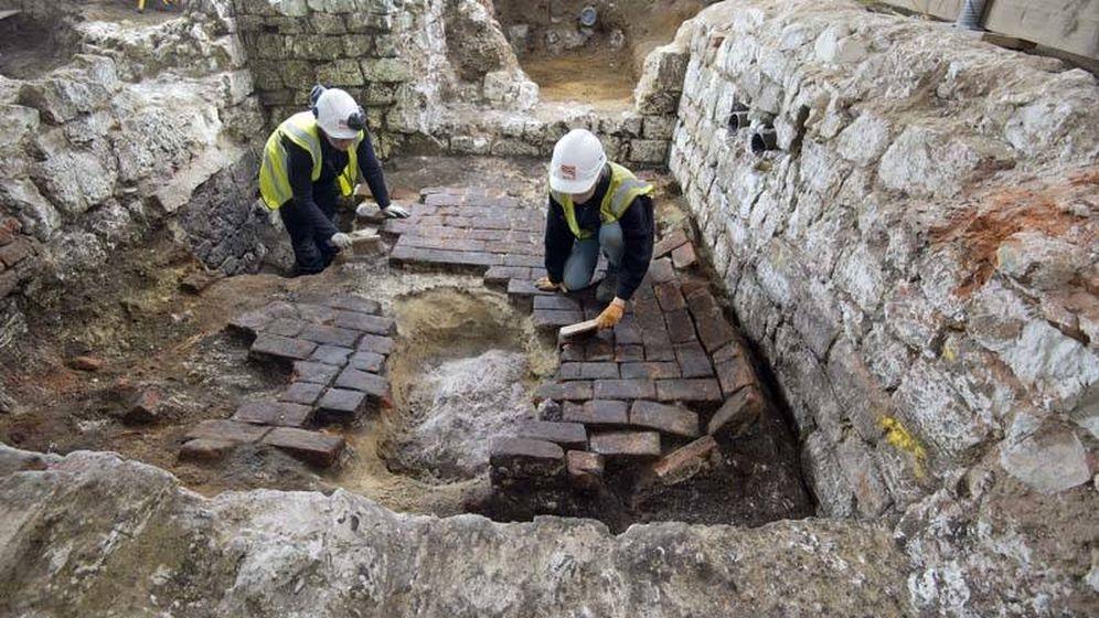 Foto: Labores arqueológicas en el sótano. (MOLA)