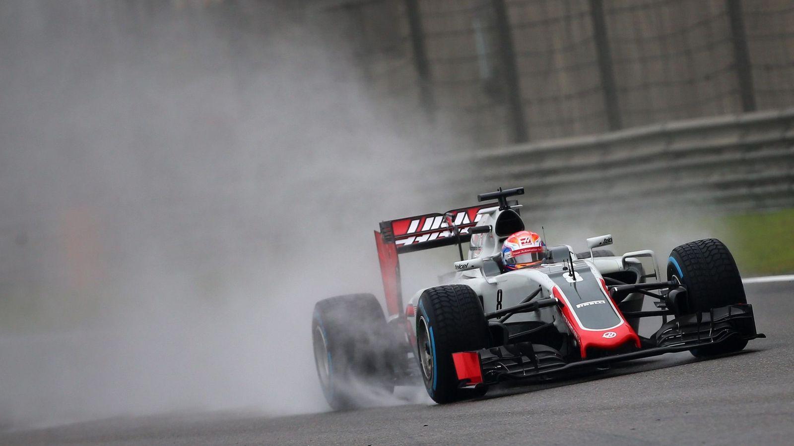Foto: El Haas de Grosjean sobre el asfalto de Shanghai.