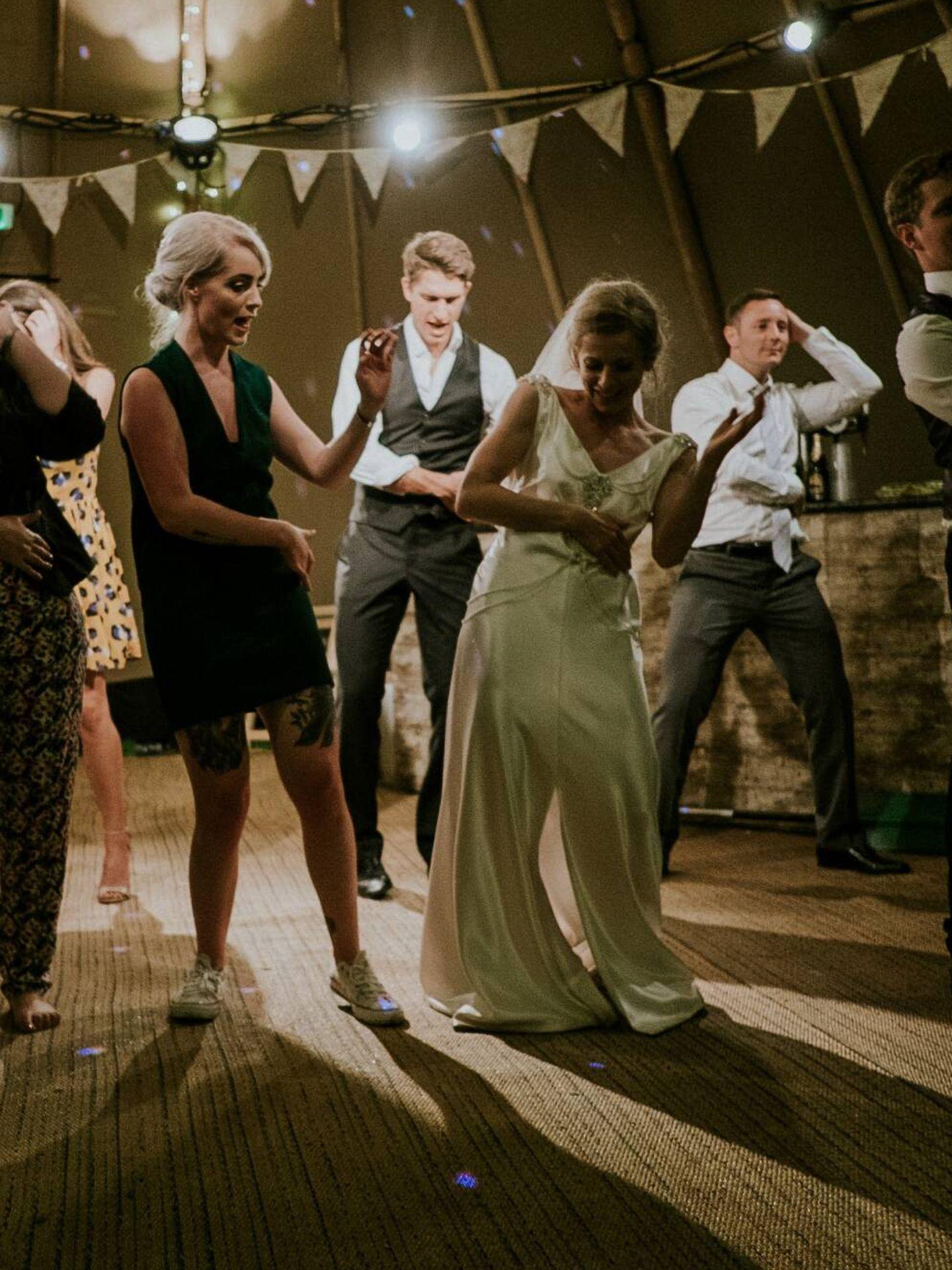 Canción para el primer baile casados. ( Mitchell Orr para Unsplash)