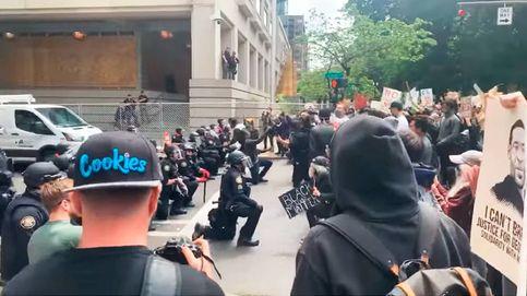 Policías de todo Estados Unidos se arrodillan como homenaje a George Floyd
