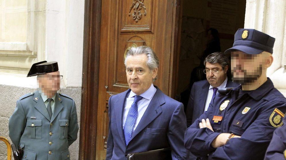 Foto: Miguel Blesa, expresidente de Caja Madrid, a su salida de los juzgados. (EFE)