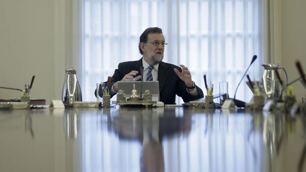 Foto: Rajoy durante una reunión del Consejo de Ministros presidido en el Palacio de la Moncloa. (EFE)