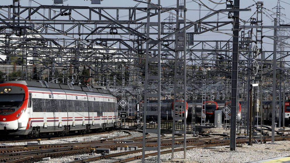 Fomento abre la puerta en la ley ferroviaria para unir Renfe y Adif
