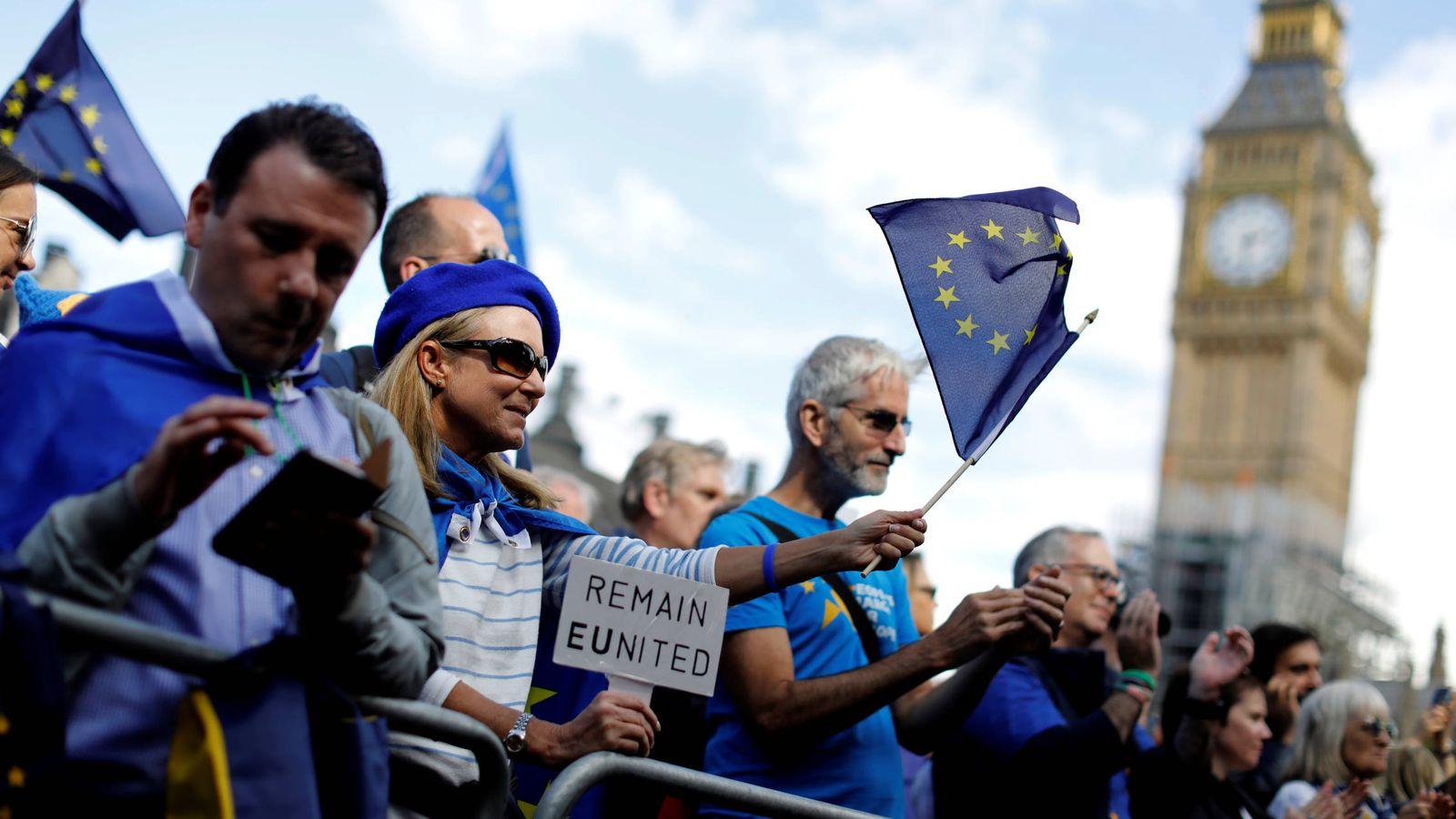 Foto: Manifestantes durante una marcha contra el Brexit en el centro de Londres. (Reuters)