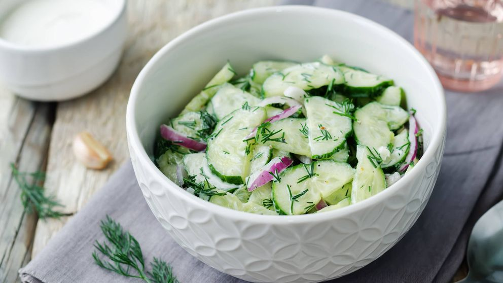 Ensalada cremosa de pepino, ¡sabor a verano!
