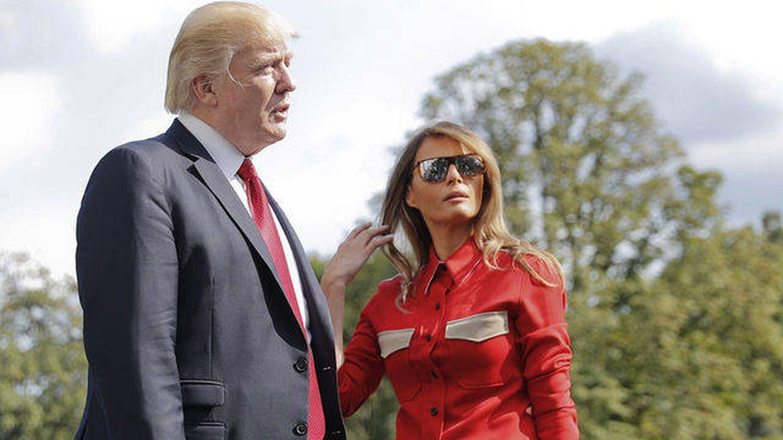 Melania Trump con una camisa diseñada por Raf Simons. (Gtres)