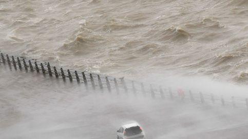 La tormenta Ciara asola UK y festivales en Nepal: el día en fotos