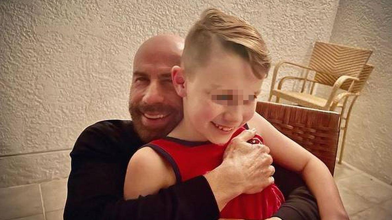 John Travolta y su hijo Ben. (IG @johntravolta)