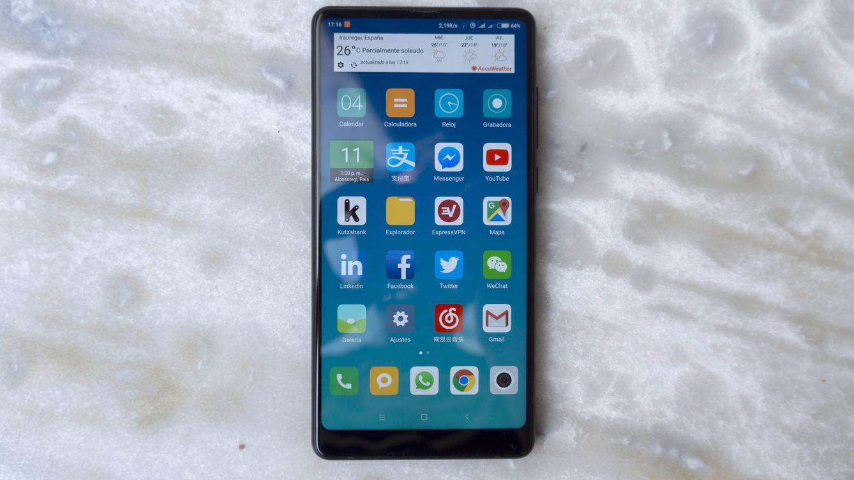 Metemos mano al Xiaomi Mix 2: los más grandes no tienen por qué ser los más caros