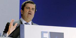 Foto: Endesa mete en nómina a los tres grandes partidos políticos en doce meses