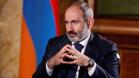El primer ministro armenio acusa al Ejército de golpe de Estado tras pedirle que dimita