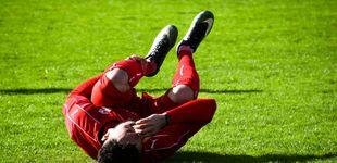Post de 5 años de suspensión para un futbolista del Soetrich por morder el pene a otro