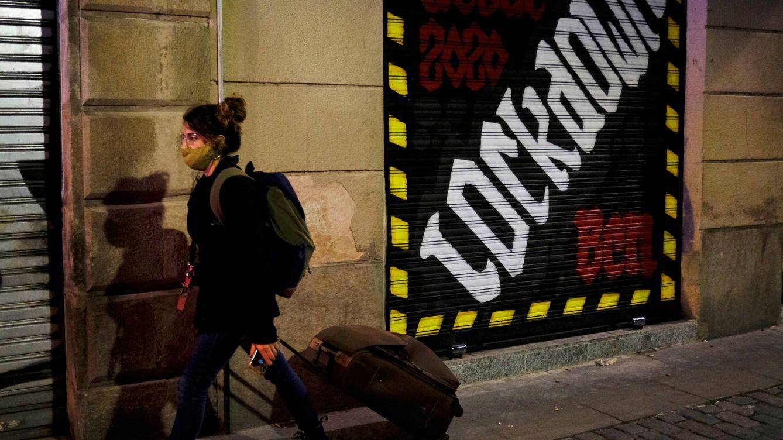 Del cerrojazo de Cataluña a la resistencia de Madrid: la economía tras las restricciones