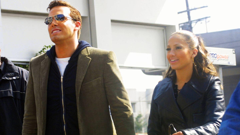 Jennifer Lopez y Ben Affeck, en una imagen de su primera vez como pareja. (Getty)