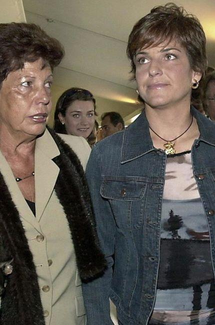 Arantxa Sánchez Vicario junto a sus padres