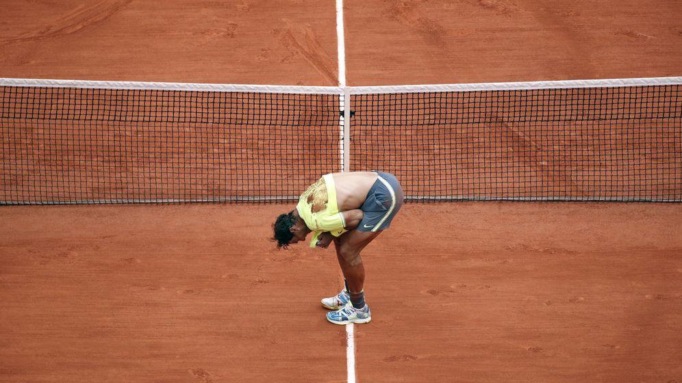 Foto: Rafa Nadal llorando tras ganar Roland Garros. (EFE)