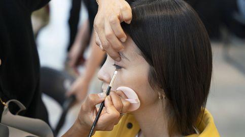 Resaltar las ojeras y maquillarlas de colores… Moda, reto y ¿belleza?