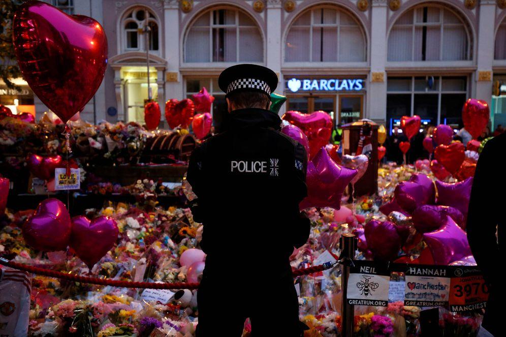 Foto: Vigilia por las víctimas del atentado en el Manchester Arena, en Mánchester. (Reuters)