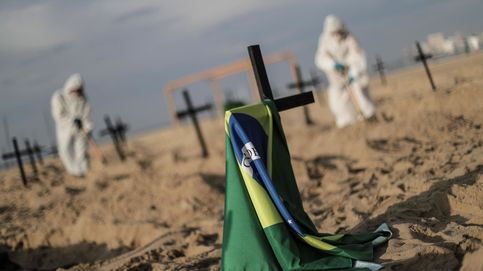 Desalojan la playa de Copacabana en Río de Janeiro por el aumento de casos de covid-19