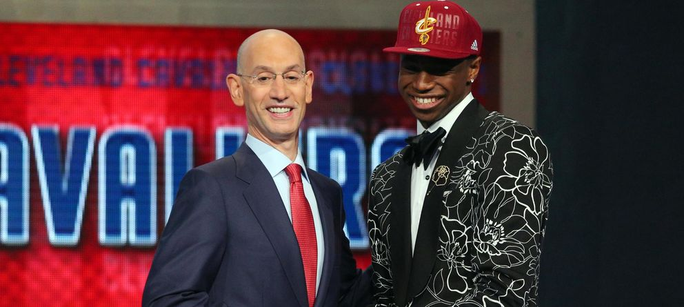 Foto: Andrew Wiggins, junto al comisionado de la NBA, Adam Silver (Reuters).