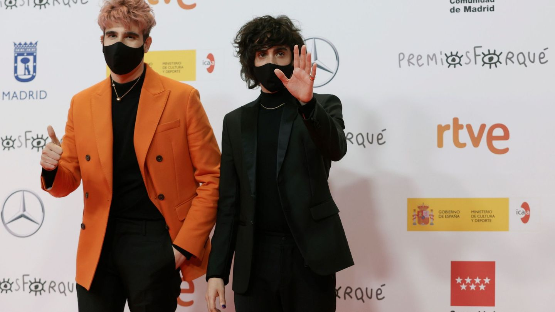 Javier Calvo (izq) y Javier Ambrossi (dcha), en los últimos Premios Forqué. (EFE)