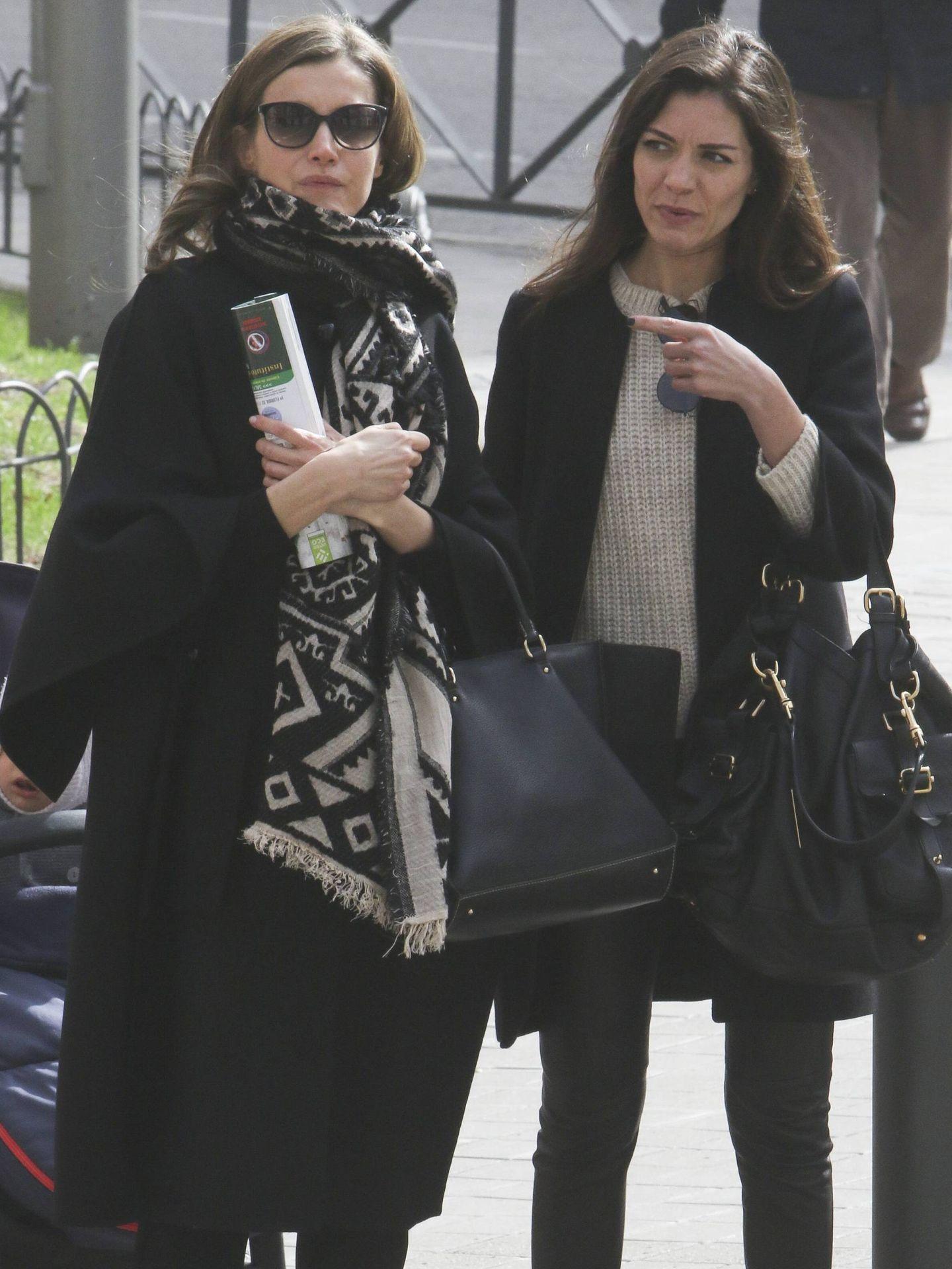 La Reina con la bufanda. (CP)