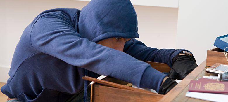 Foto: Los ladrones suelen entrar en las viviendas cuando tienen la certeza de que no hay nadie en ellas. (Corbis)