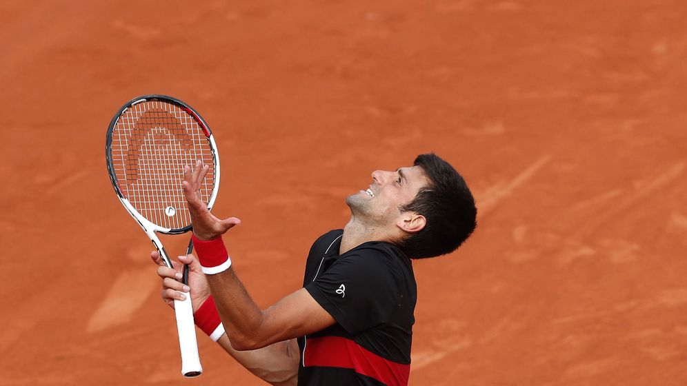 Foto: Djokovic, este domingo quejándose al juez de silla. (EFE)