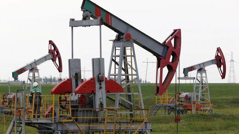 La AIE empeora sus previsiones para el petróleo y hunde el precio
