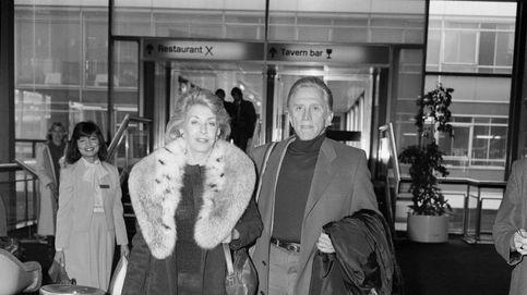 Anne Douglas: la mano que mece la herencia de Kirk Douglas