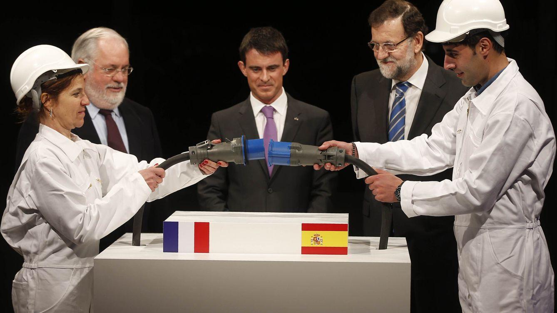 Foto: Mariano Rajoy y Manuel Valls inauguran la línea de interconexión eléctrica entre España y Francia (Moncloa)