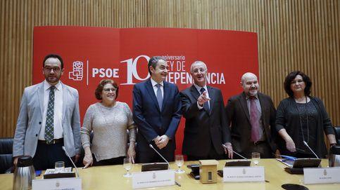 Zapatero reivindica la labor de la gestora y el poder de la oposición útil en el Parlamento
