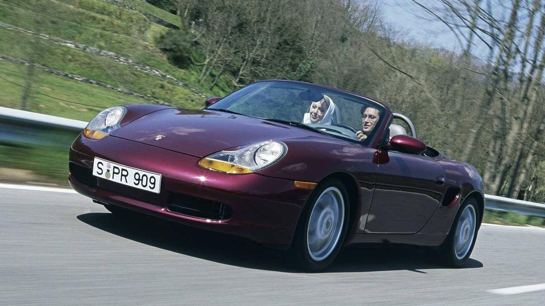 Esta es la primera generación del Porsche Boxster del año 1996.
