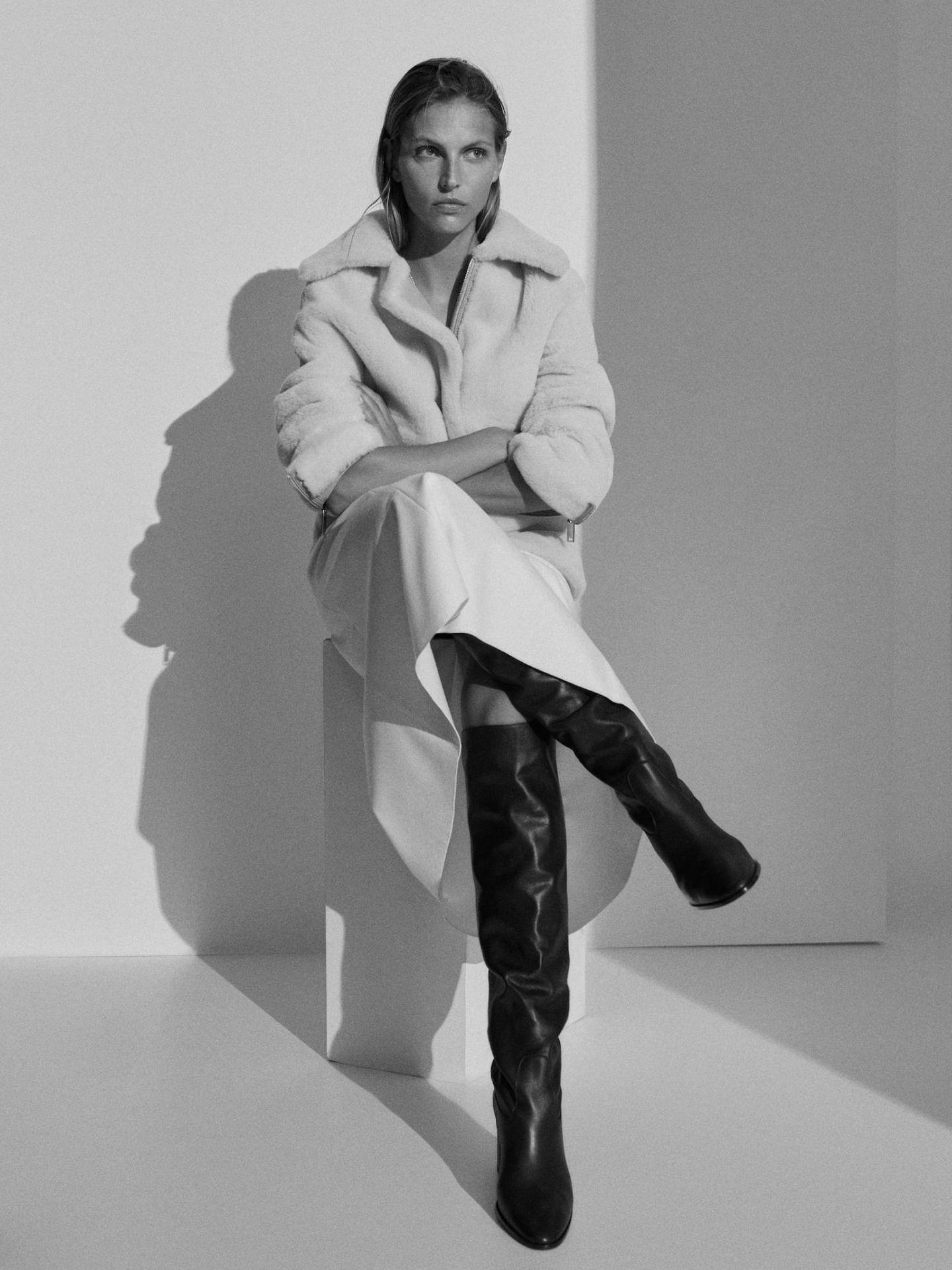 Botas de Massimo Dutti con las que llevar tu vestido de estas fiestas a la oficina y triunfar. (Cortesía)