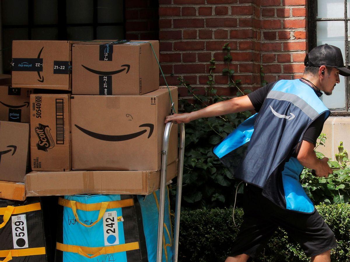 Foto: Repartidor de Amazon en Nueva York. (Reuters)
