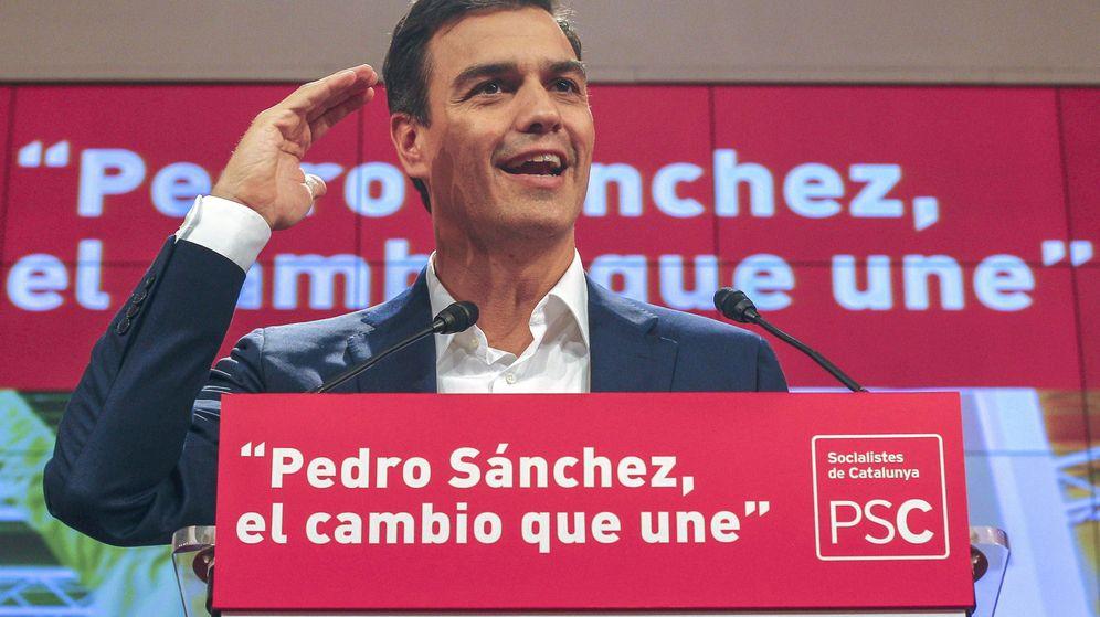 Foto: El candidato del PSOE a la Moncloa, Pedro Sánchez, durante un encuentro con dirigentes y cargos electos del PSC. (Efe)