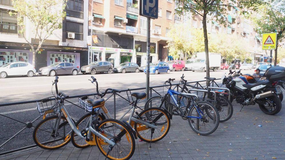 Foto: Bicicletas de oBike en las calles de Madrid (Analia Plaza)