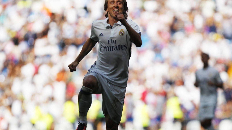 Foto: Modric durante un partido en el Bernabéu. (Cordon Press)