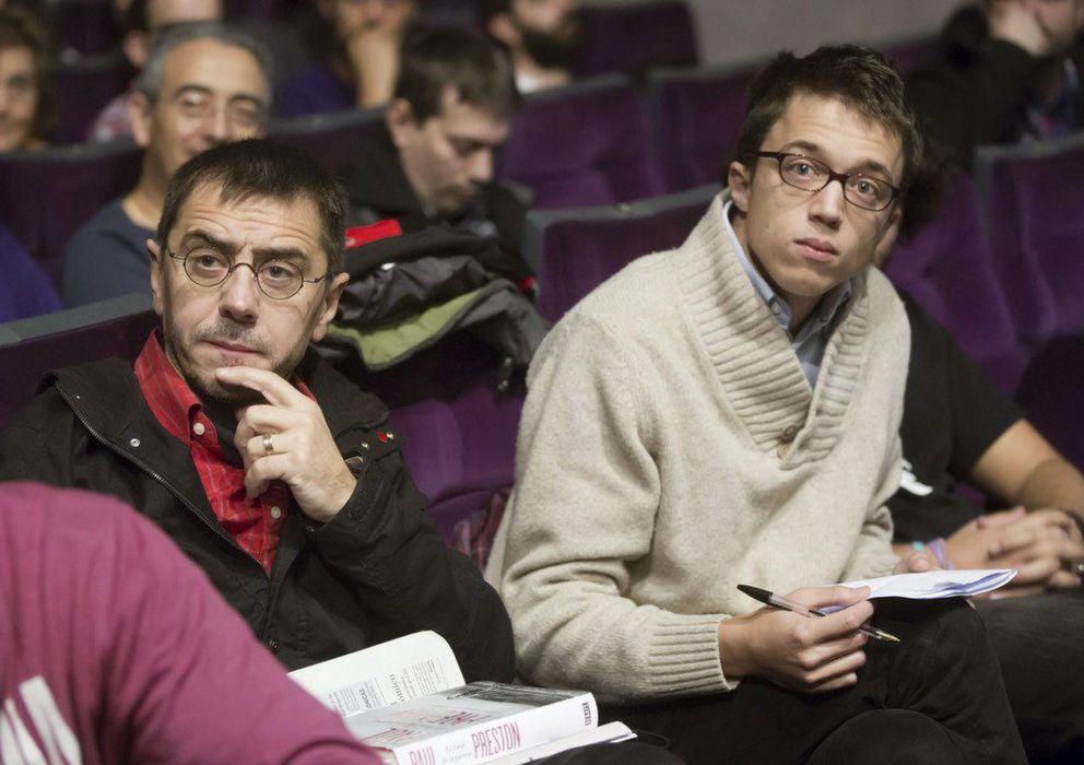 Foto: Juan Carlos Monedero e Íñigo Errejón en un acto político de Podemos. (EFE)
