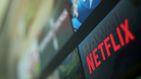 Candados rojos: el polémico plan de Netflix para mantener enganchados a los niños